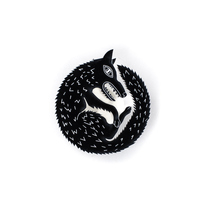 Wolf Pin / Wolf Brooch / Animal Jewelry / Animal Pin