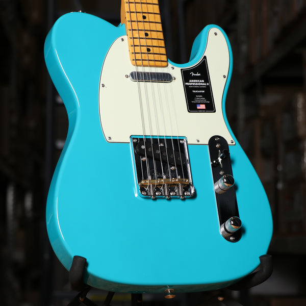 Fender American Professional II Telecaster, Maple Fingerboard, Miami Blue