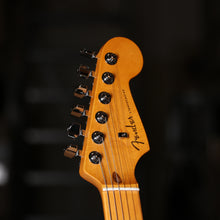 Fender American Ultra Stratocaster in Mocha Burst, Maple Fretboard