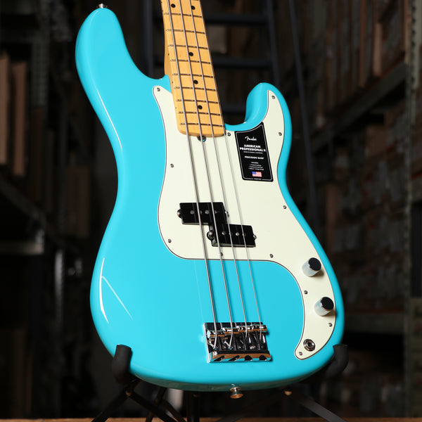 Fender American Professional II Precision Bass, Maple Fingerboard, Miami Blue