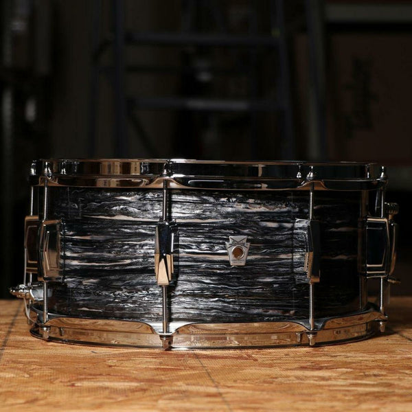 Ludwig LS664XX1Q Club Date Snare Drum 6.5x14 in Vintage Black Oyster