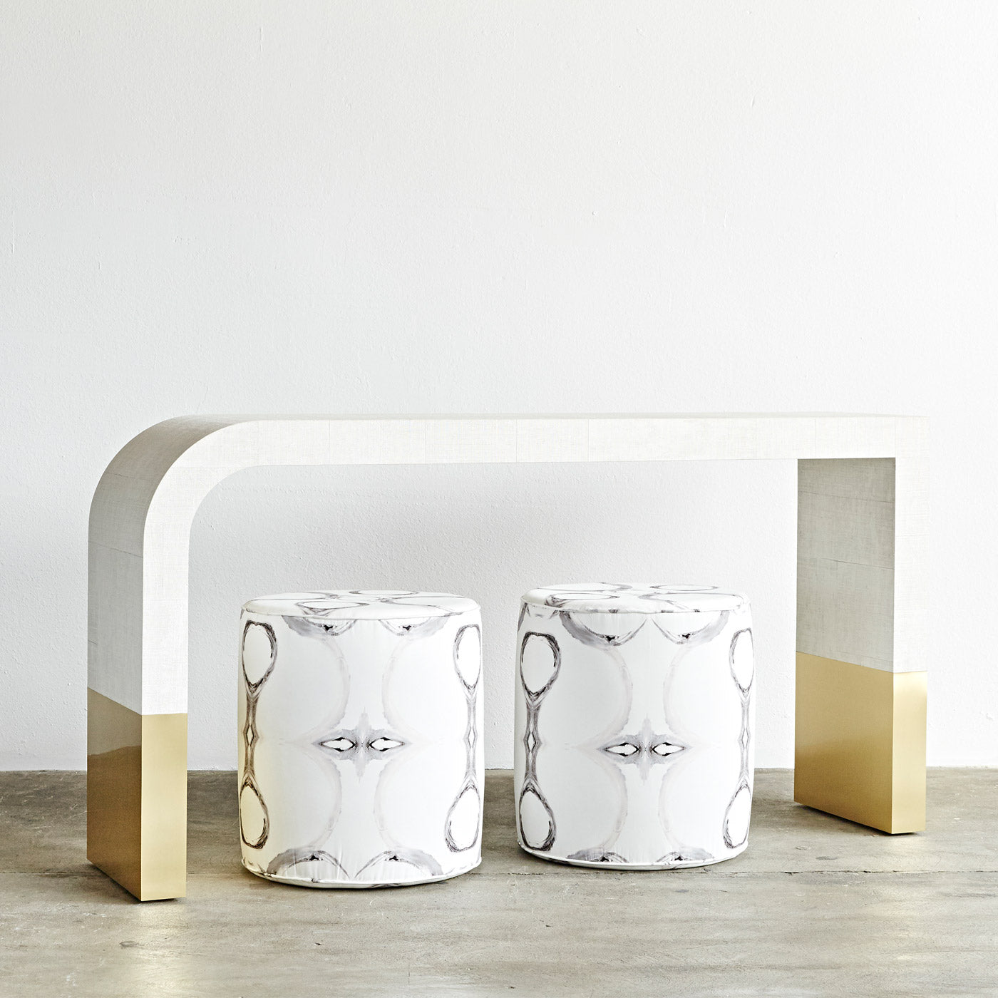 SOPHI DIPPED CONSOLE