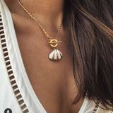 Amie Seashell Pendant Necklace
