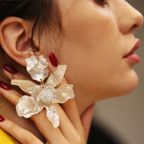 Damien Resin Flower Earrings