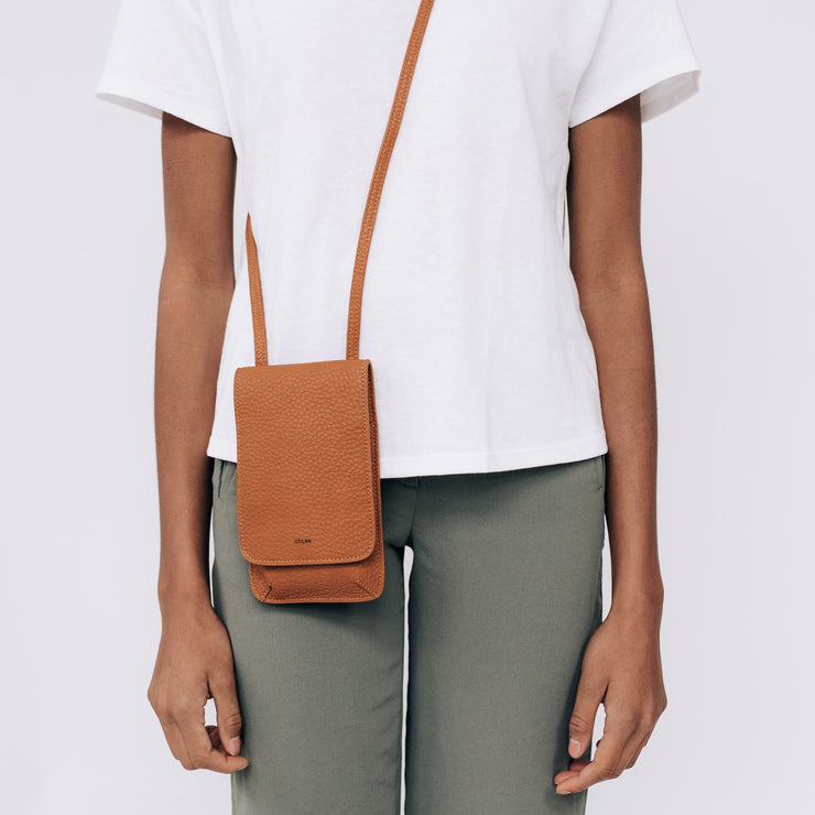 Pebble Tech Crossbody - Tawny - The Grinning Goat