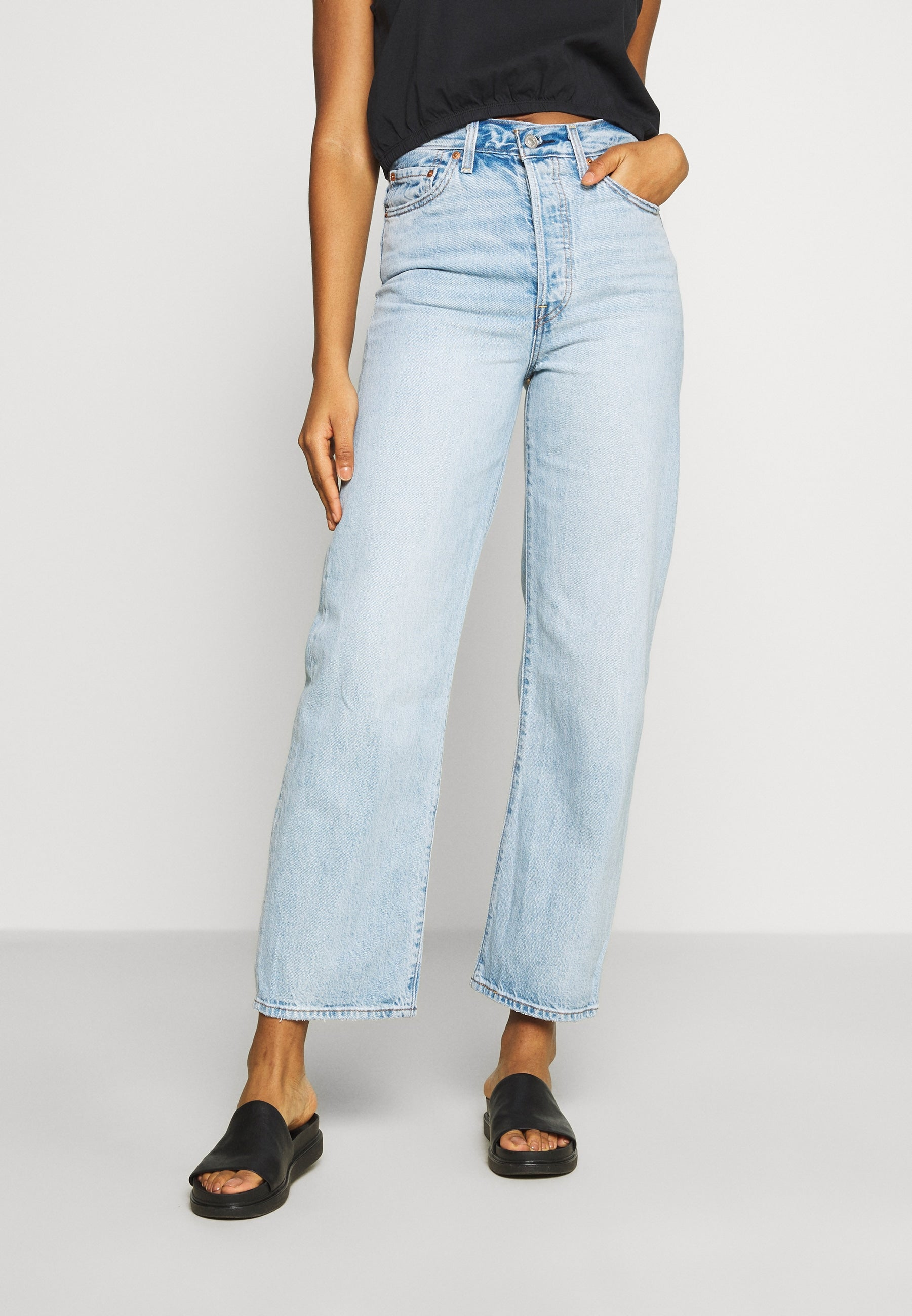 Levi's Ribcage Jean in Middle Road
