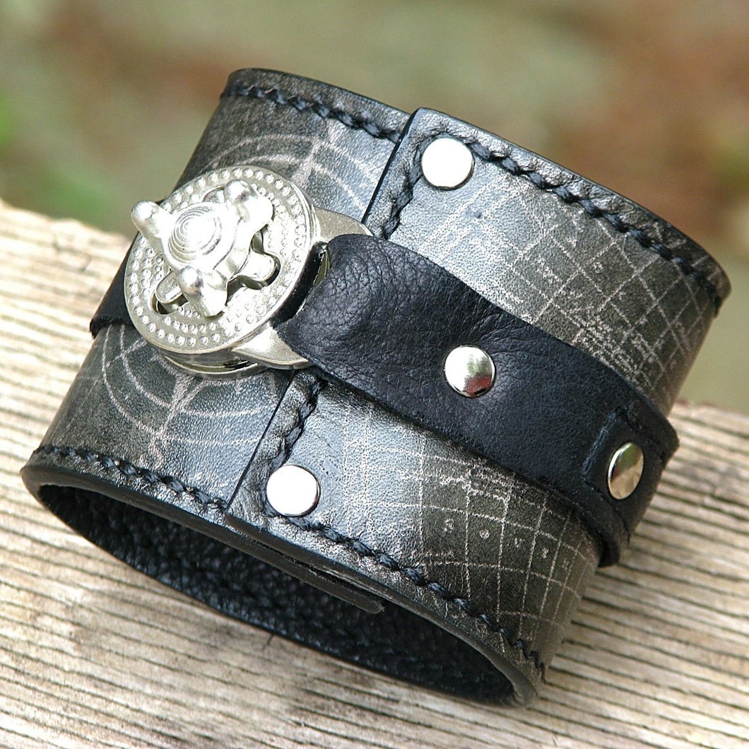 Steampunk Gray Leather Wrist Wallet Bracelet Cuff for Men & Women that travel - World Map Traveler