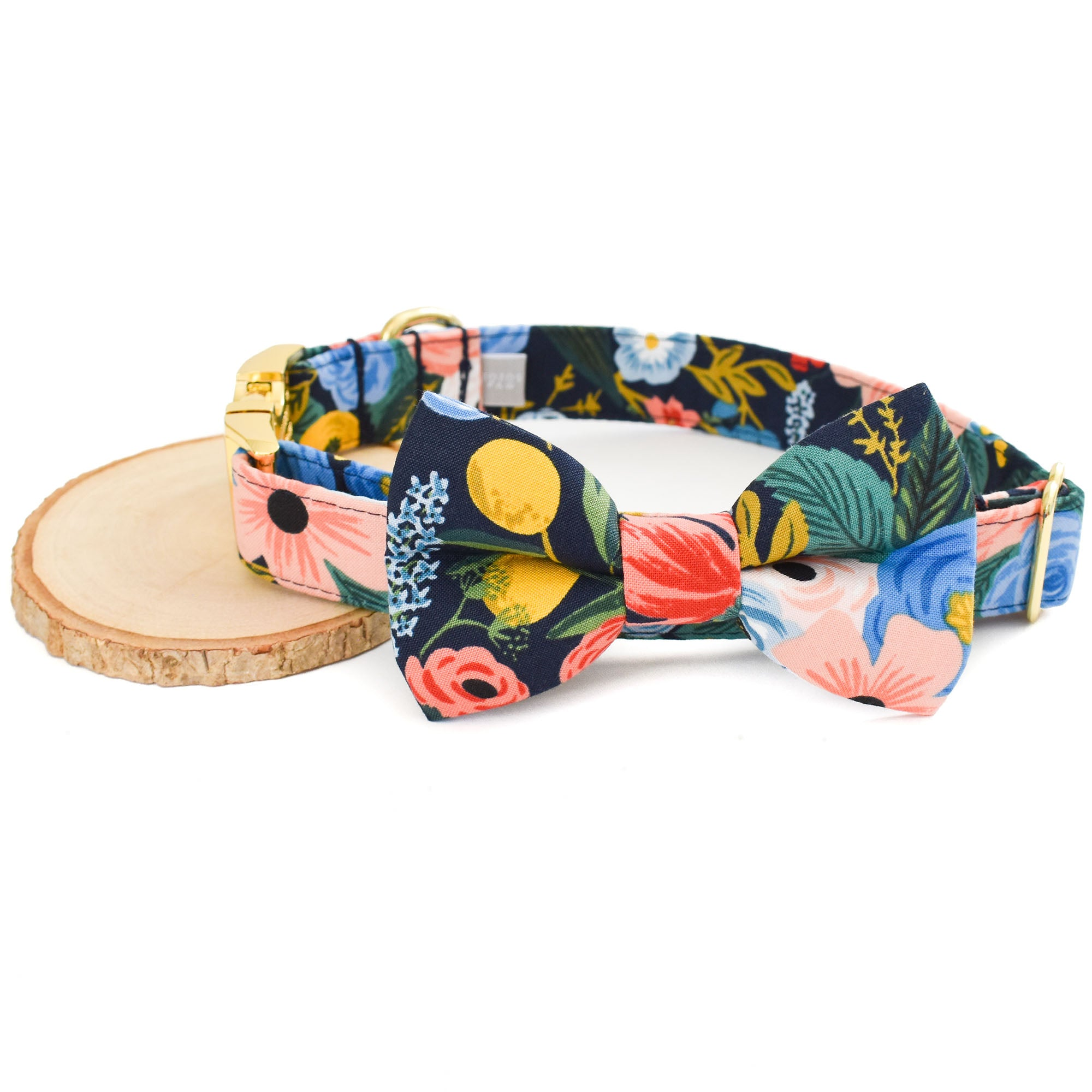 GARDEN PARTY DOG COLLAR AND BOW TIE SET