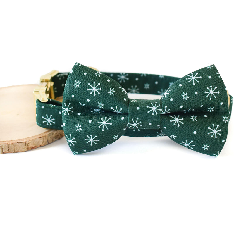 EVERGREEN SNOWFLAKES DOG COLLAR AND BOW TIE SET
