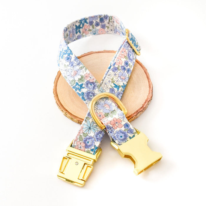 BLUE MEADOW DOG COLLAR AND BOW TIE SET