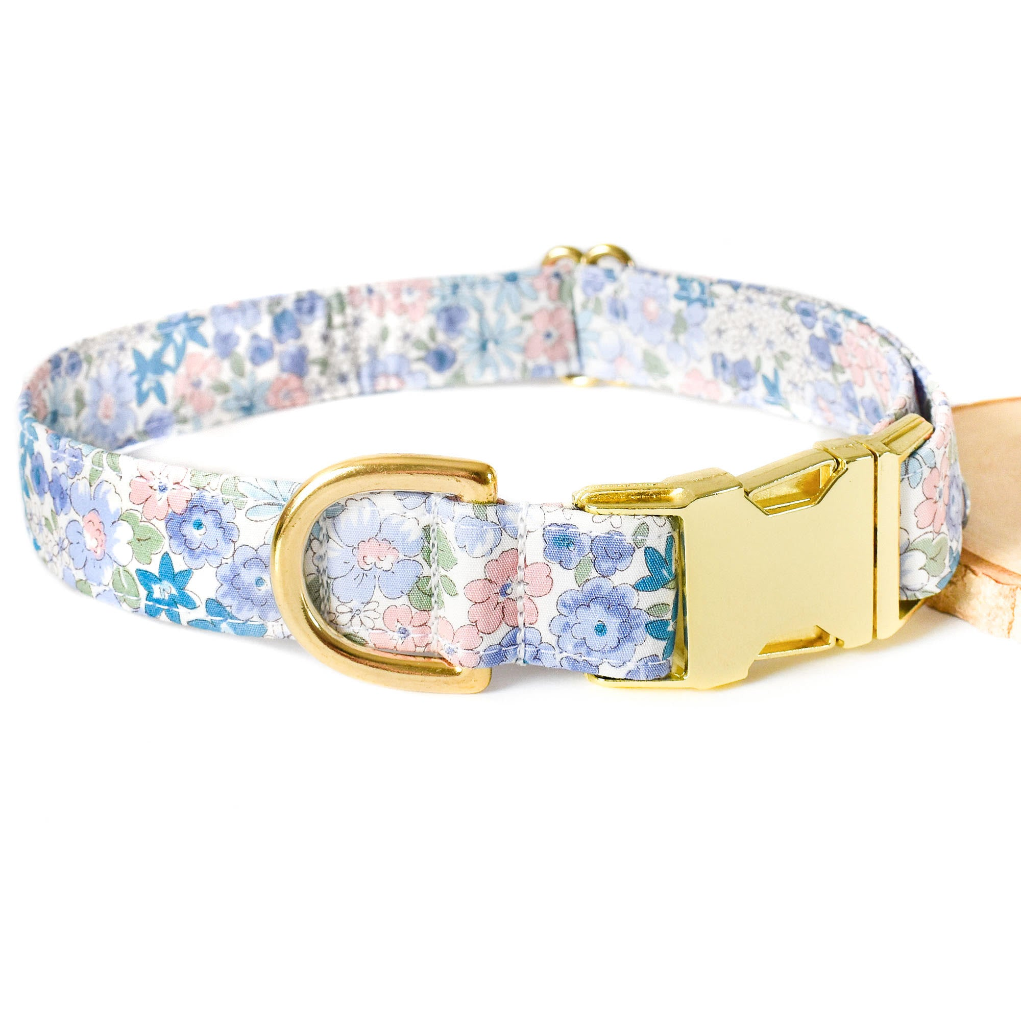 BLUE MEADOW DOG COLLAR