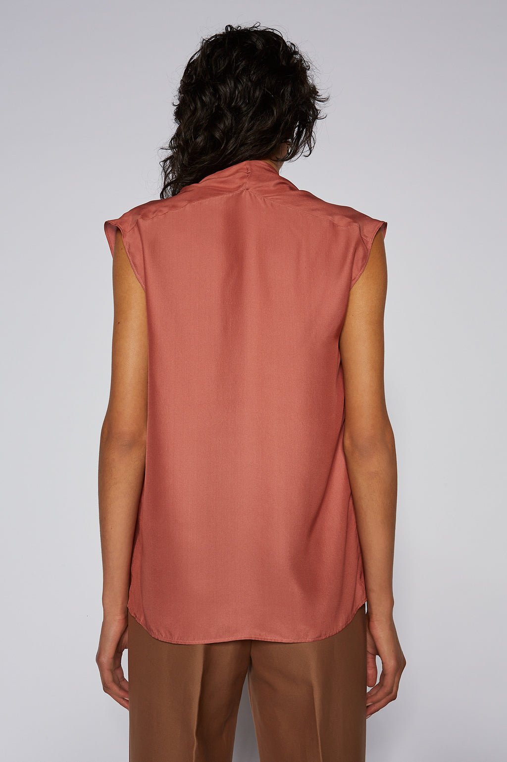 CHARMEUSE V NECK TANK