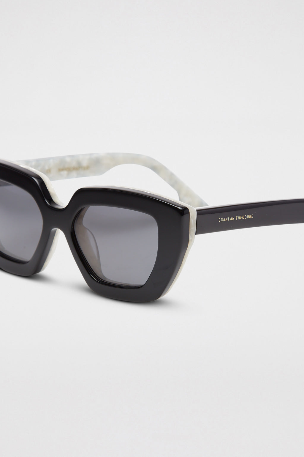 ST DIAMOND CAT SUNGLASSES