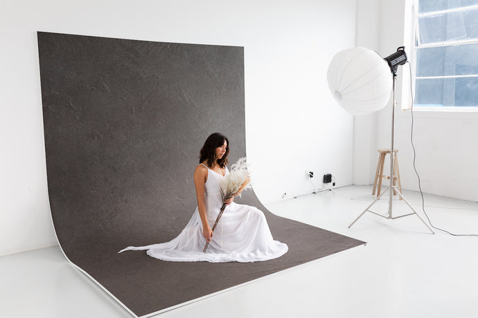 Easiframe® Curved Cyclorama Seamless Backdrop and Frame Kit Unboxing & Review