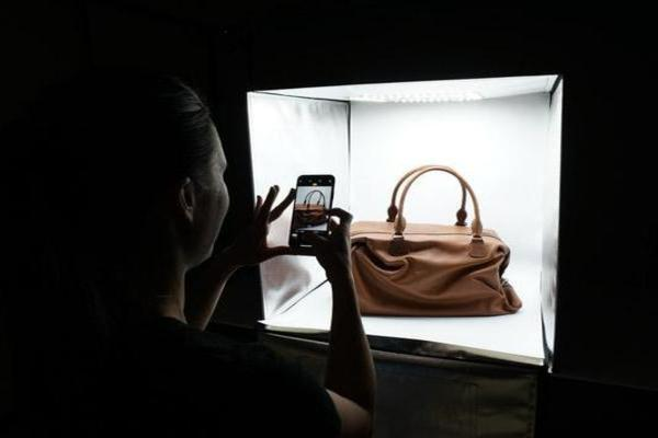 Product Photography 101: Using a Light Tent to Take Professional Product Photos