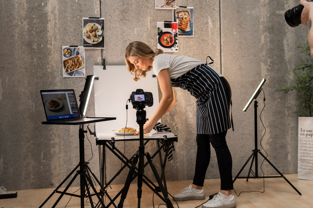 Hypop Pro 'Foodie' Studio Photo Table and LED Lighting Kit (60x130)