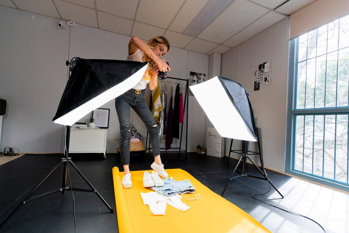 "Hypop 31"" Product Photography Lighting Tent 'KONTENT KUBE' Kit result"