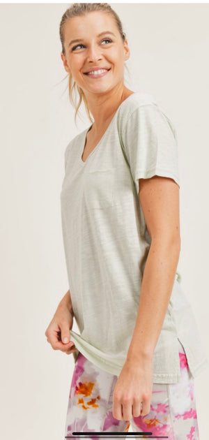 V-neck Tee w/ pocket (3  colors)