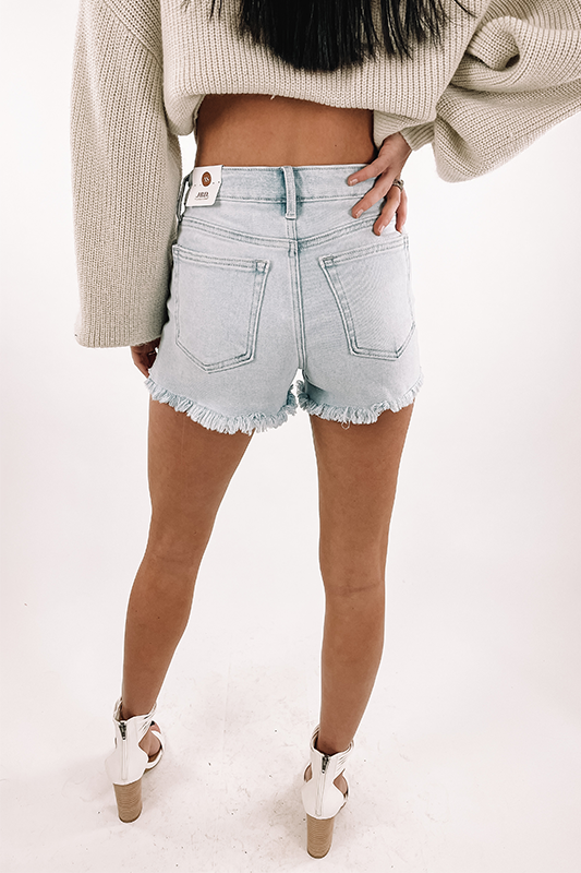 High Rise Frayed Short -Light Denim