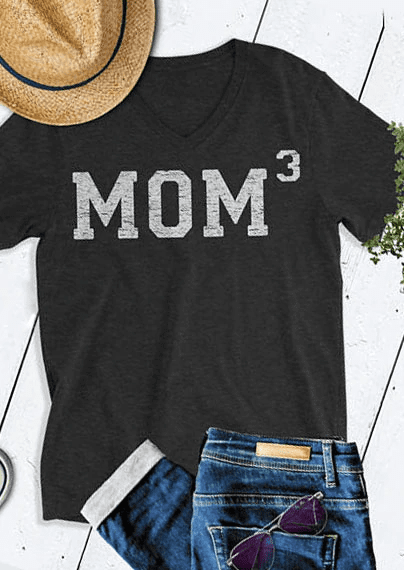 Mom 7, V-Neck, T-Shirt (White)