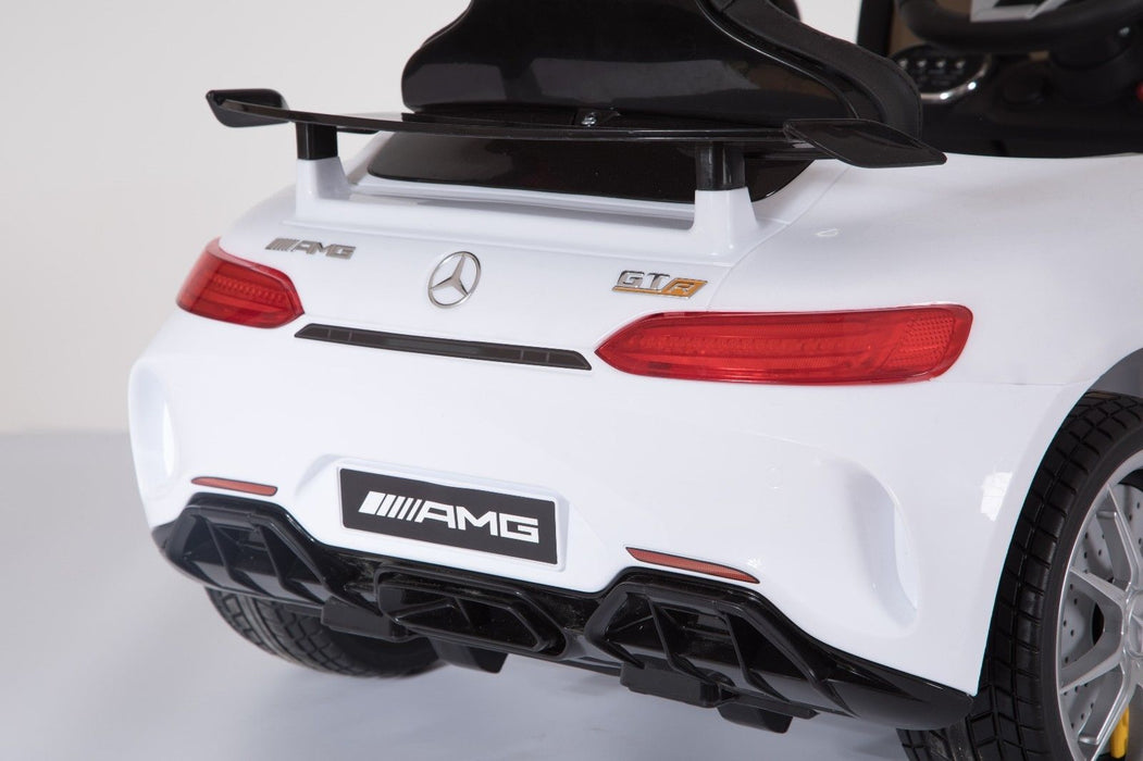 RiiRoo Mercedes Benz AMG GT R Ride On Car in white close up