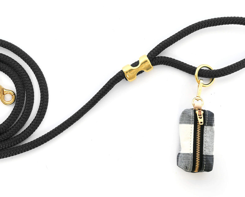 The Foggy Dog Leash Bag - Licorice Check