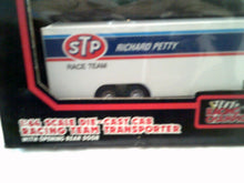 Richard Petty STP Racing 1:64 Scale Die Cast Cab Racing Team Transporter - New