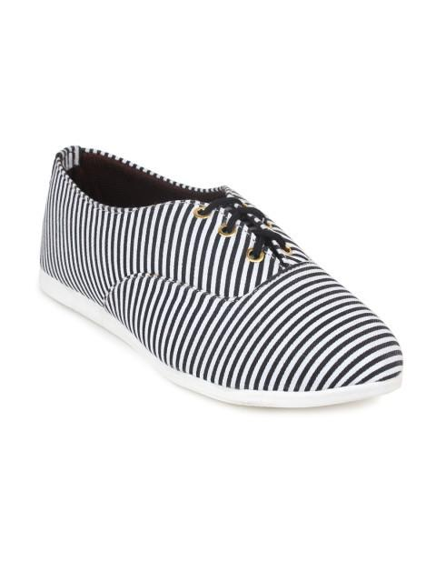 Scamanus White & Black Striped Casual Shoes