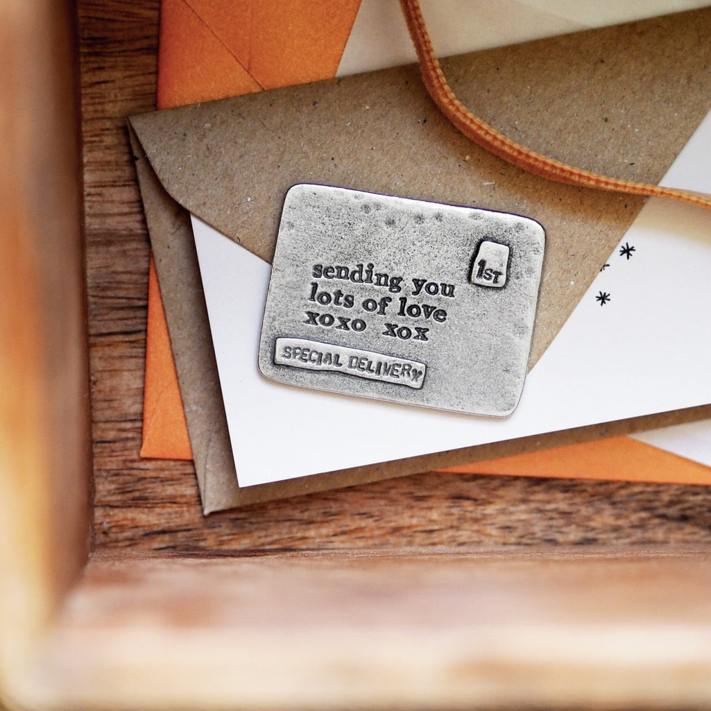 'Lots Of Love' Envelope Message Token