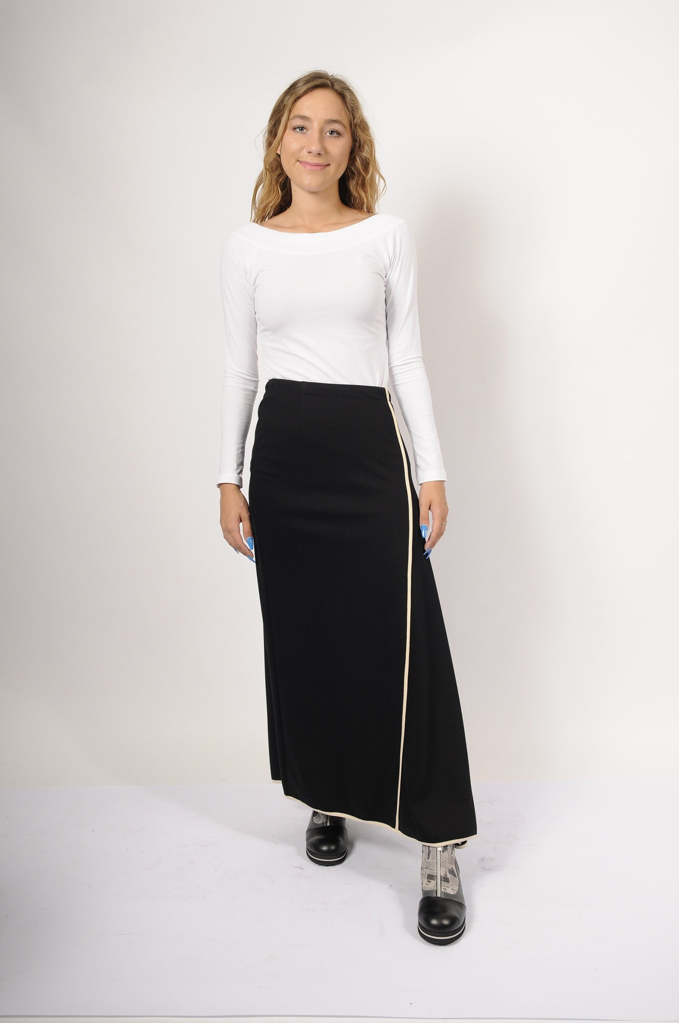 NY 77 Design Pipe Skirt - 2 - | ATELIER957 | shop sale items from hand-picked, statement clothing, shoe, and accessory collections up to 70 percent off