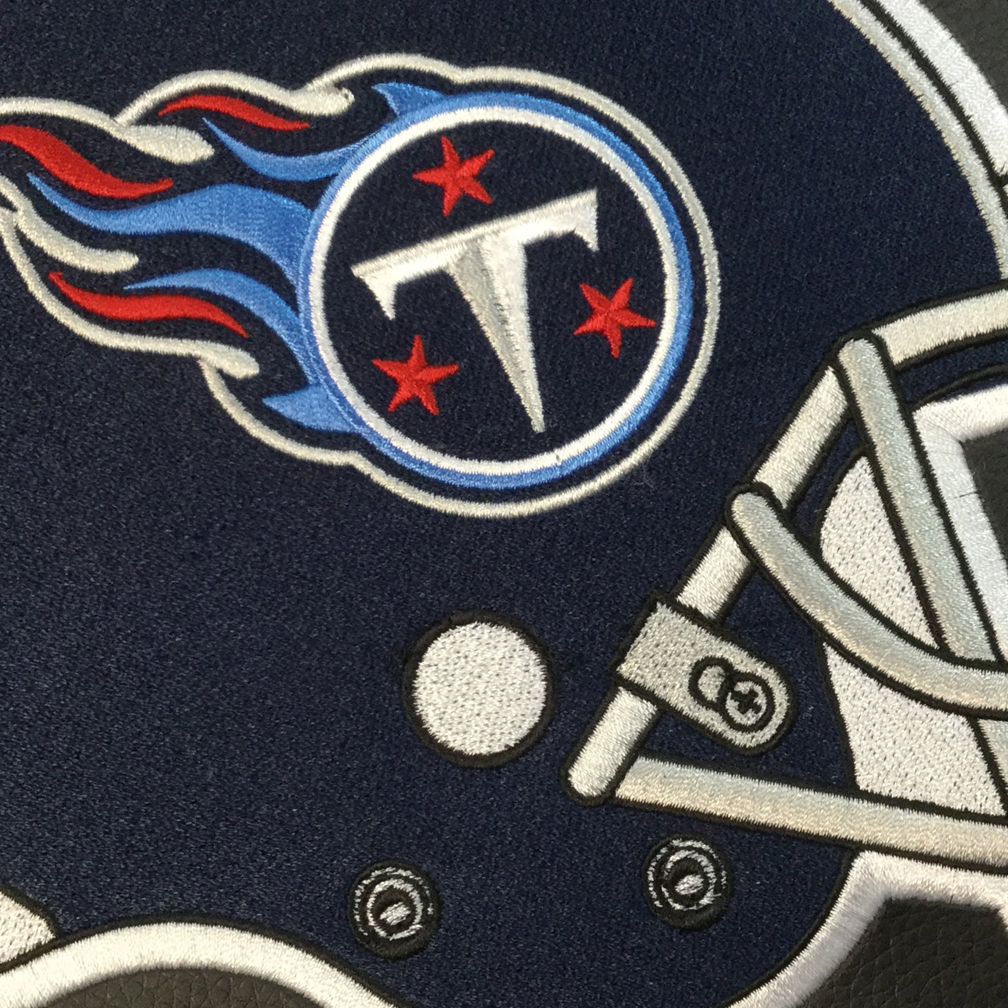 Game Rocker 100 with  Tennessee Titans Helmet Logo