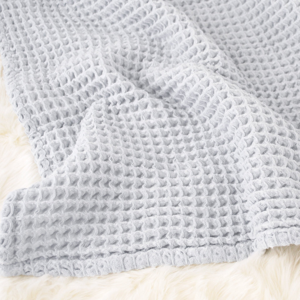 Sugar + Maple Honeycomb Blanket - Pale Blue