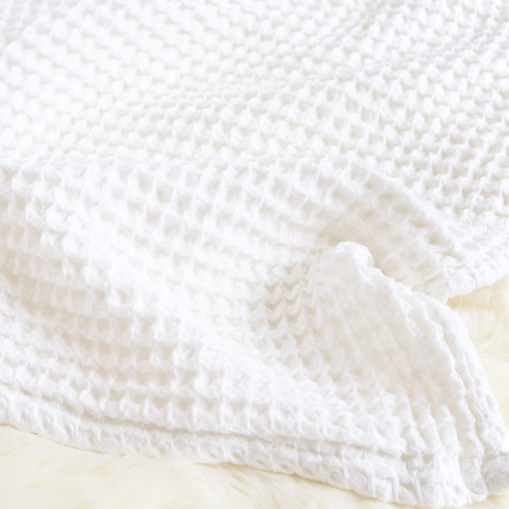 Sugar + Maple Honeycomb Blanket - White