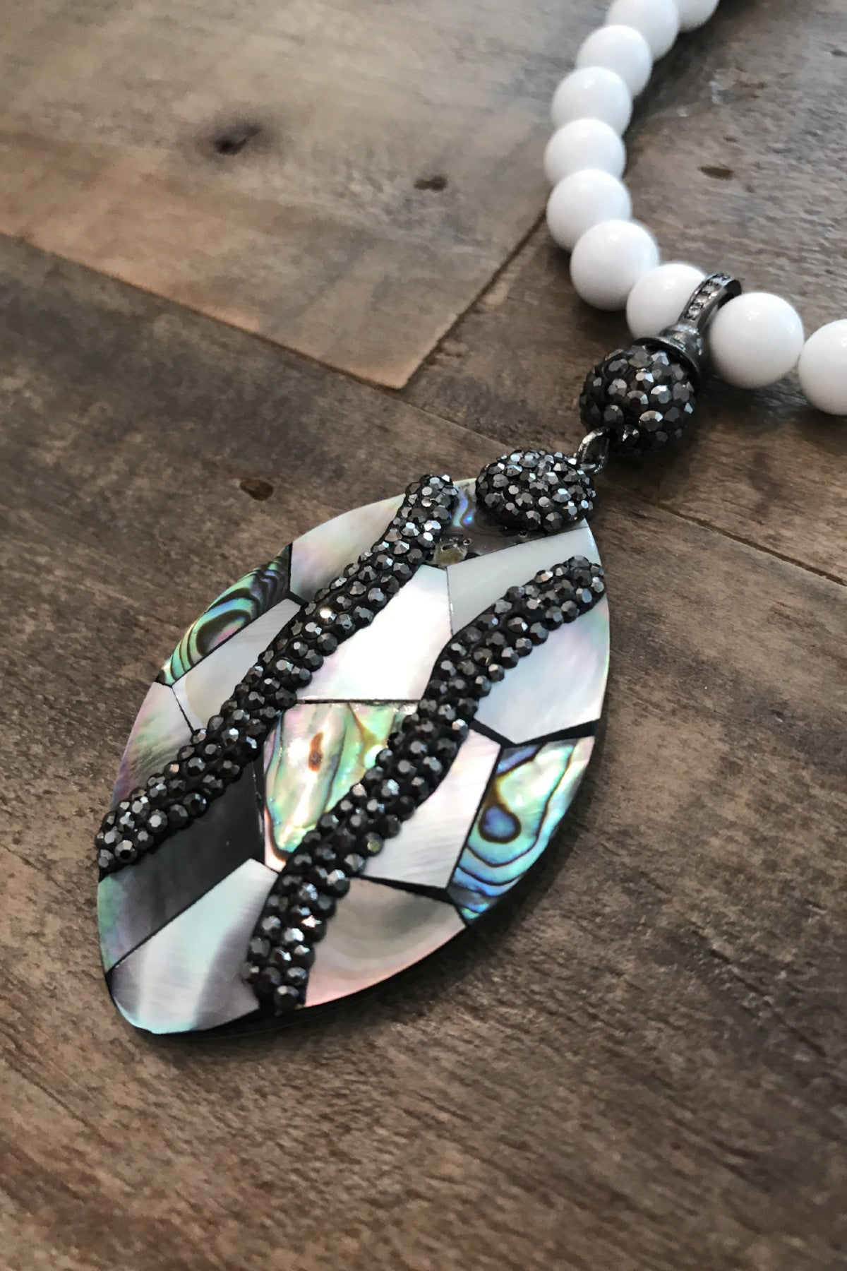 Crystal Dipped Abalone n' Pearl NeckGarland