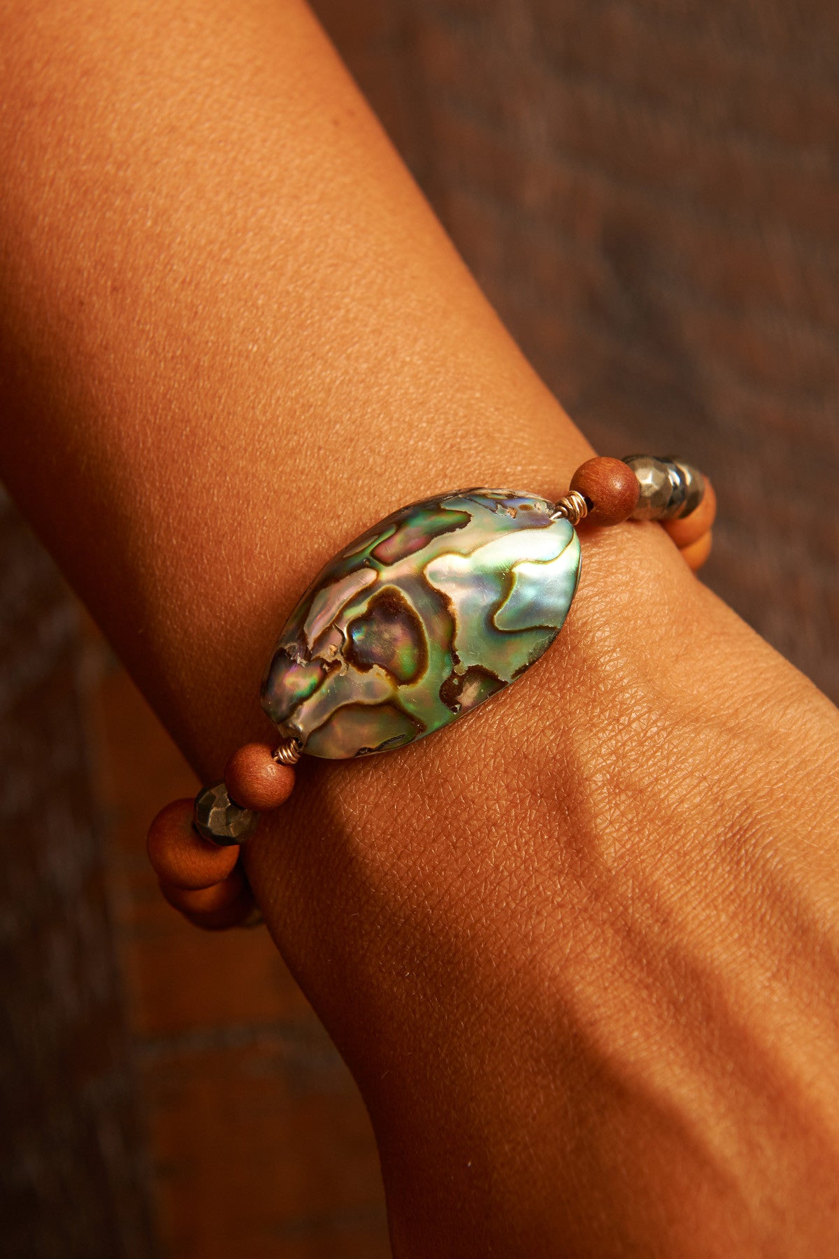 Abalone Sandalwood Bangle