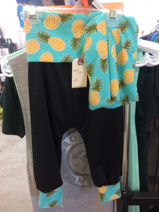 Pineapple and Black leggings and Beanie Set.