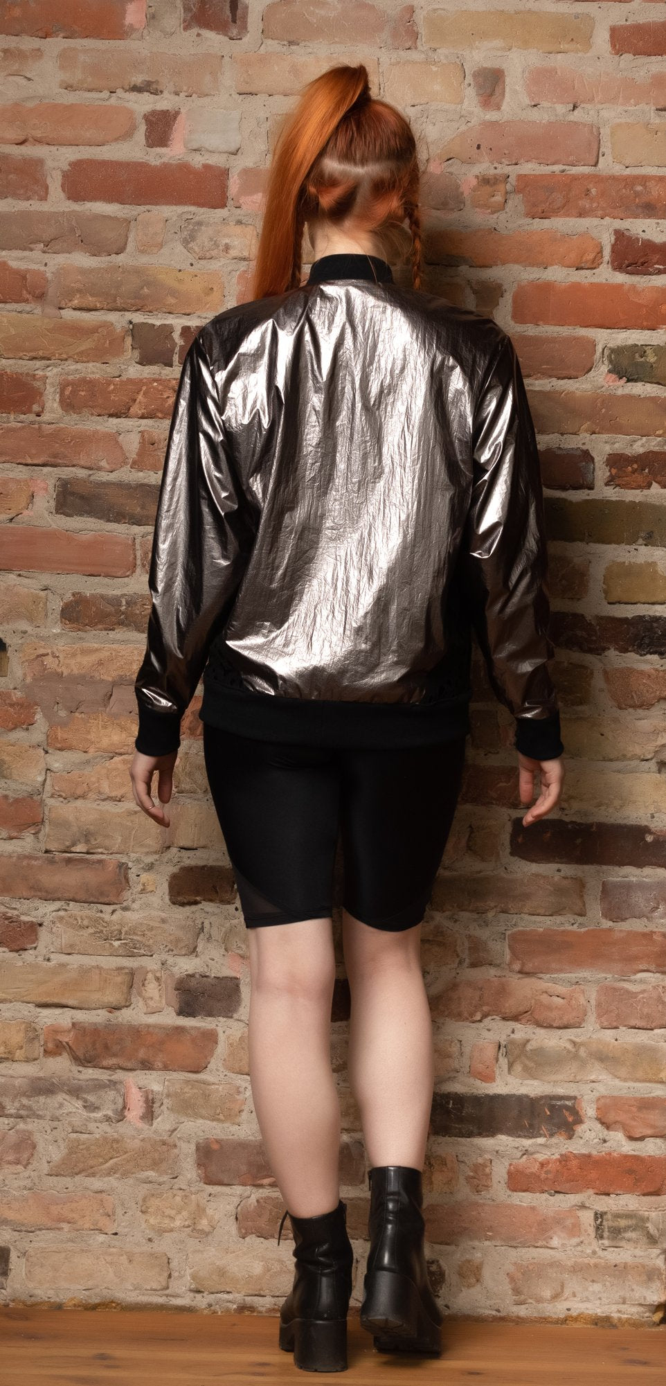 Reversible jacket in platinum and black