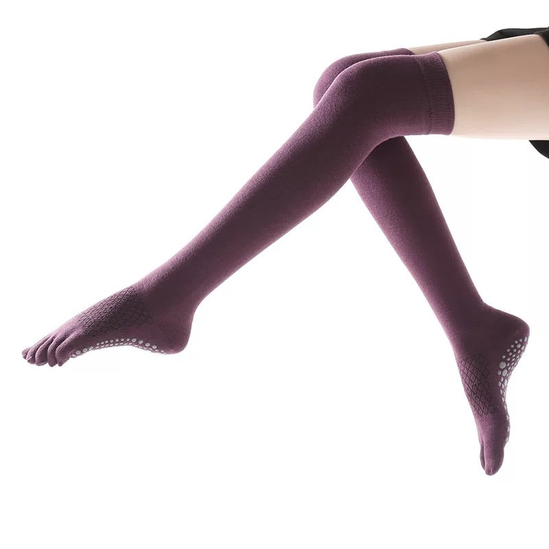 yoga sock with anti-slip no-slip grip overknees for warm feet during work-out