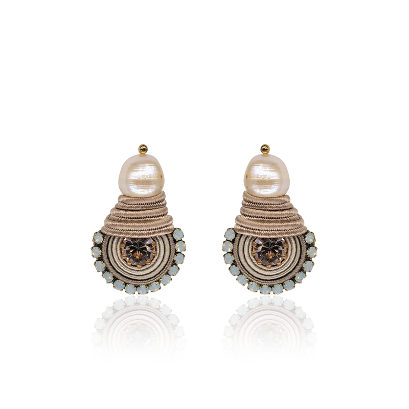 Beige Mini Dopo Earrings