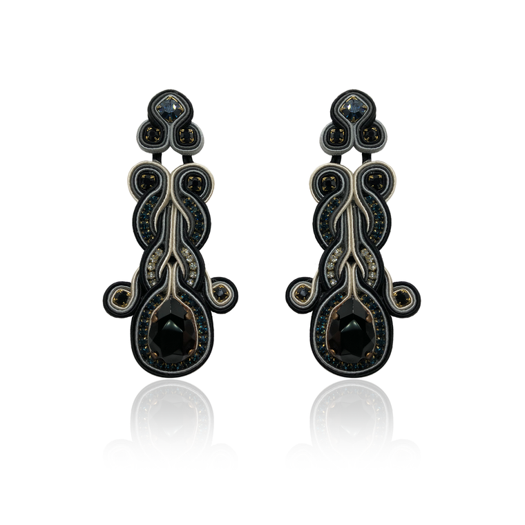 Black Hiedra Earrings