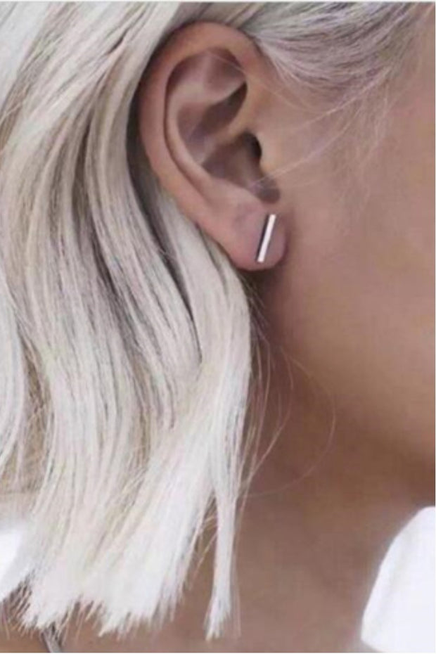 Simple T-Bar Stud Earrings | 2 colors