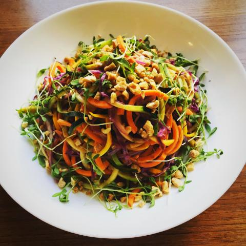 Spiralized Vegetable Pad Thai