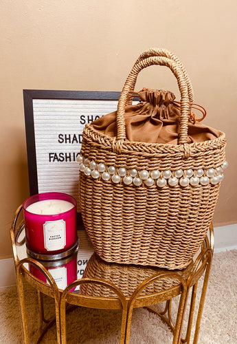 Pearl straw bag