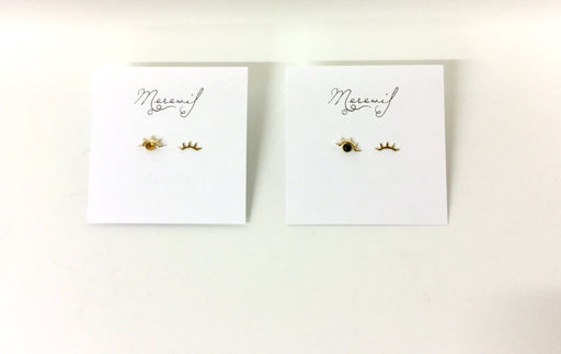 Wink stud earrings