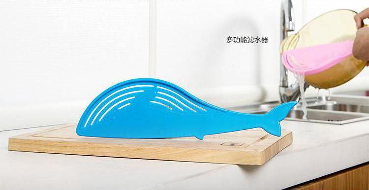 Whale Shaped Plastic Pot Straine