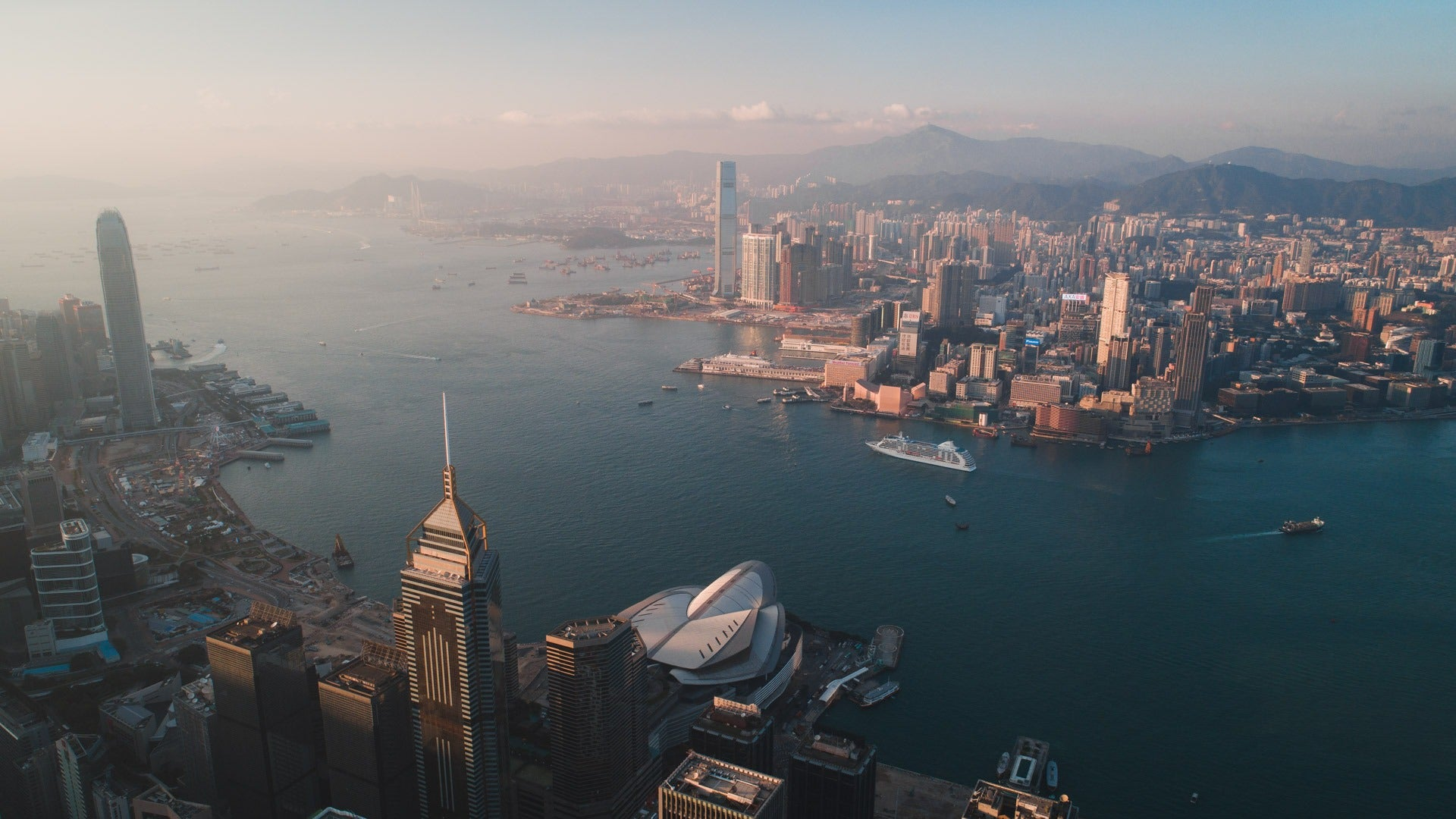 How to spend 24 hours in Hong Kong - Pat Kay Away