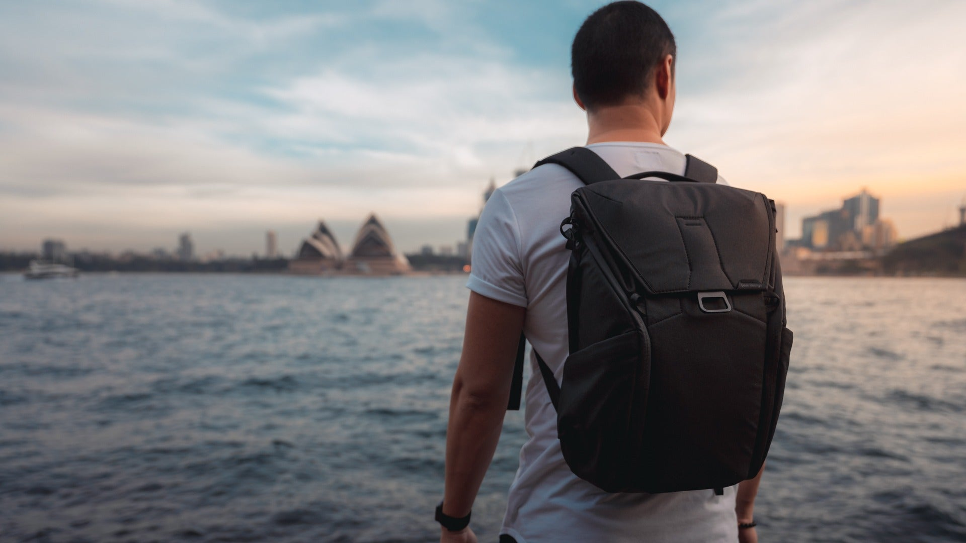 Why I'm back to the Peak Design Everyday Backpack in 2019 - Pat Kay