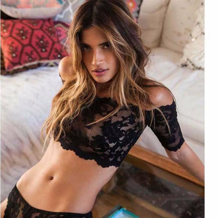 BLACK LACE CROP TOP AND UNDERWEAR SET