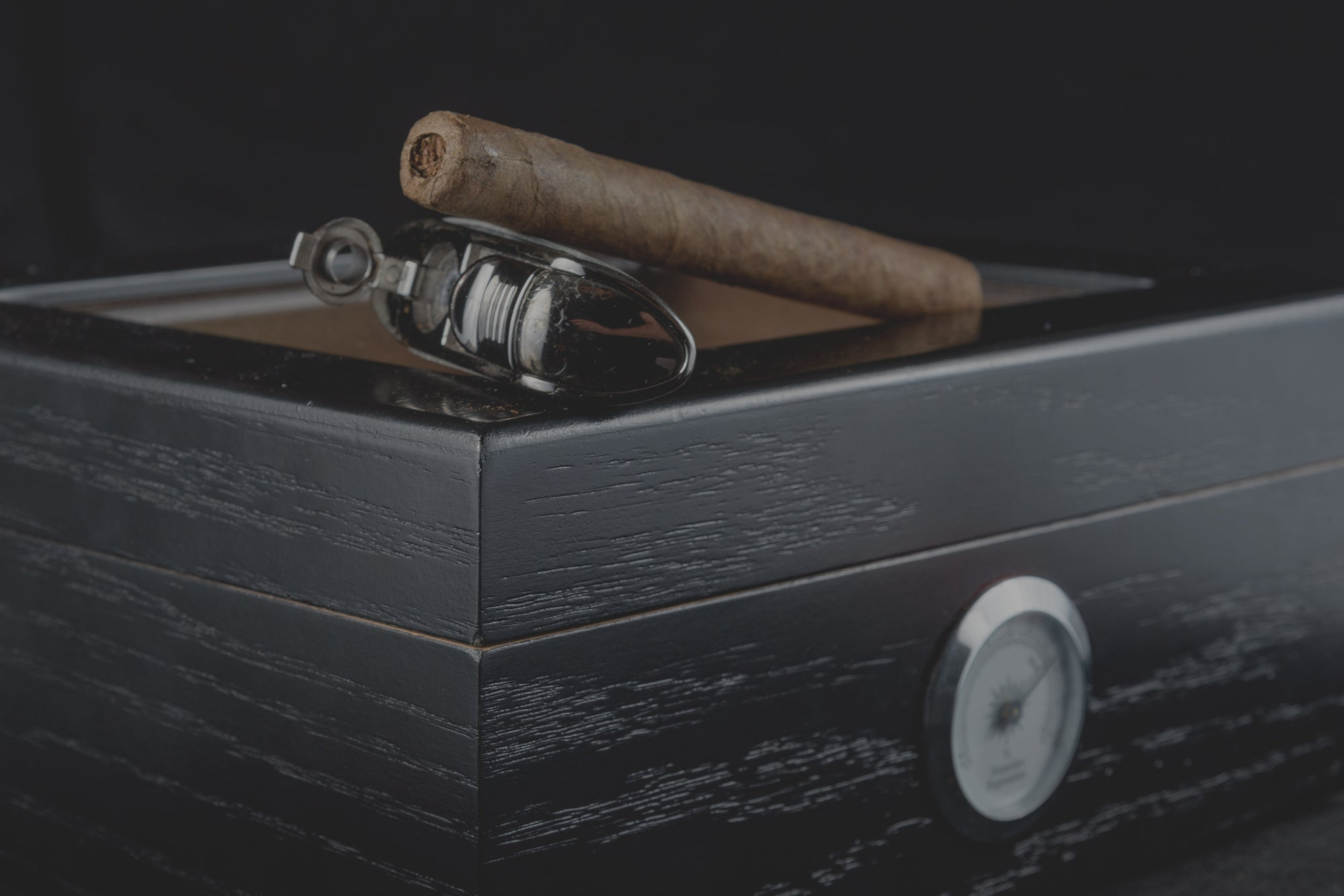CIGAR HUMIDOR: Do You Really Need It?