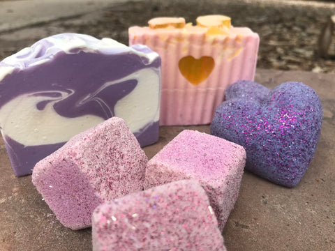 Bath Bomb and Soap Bar Gift Set - 2 Natural Soap Bars & 5 Bath Bombs. Gift Set